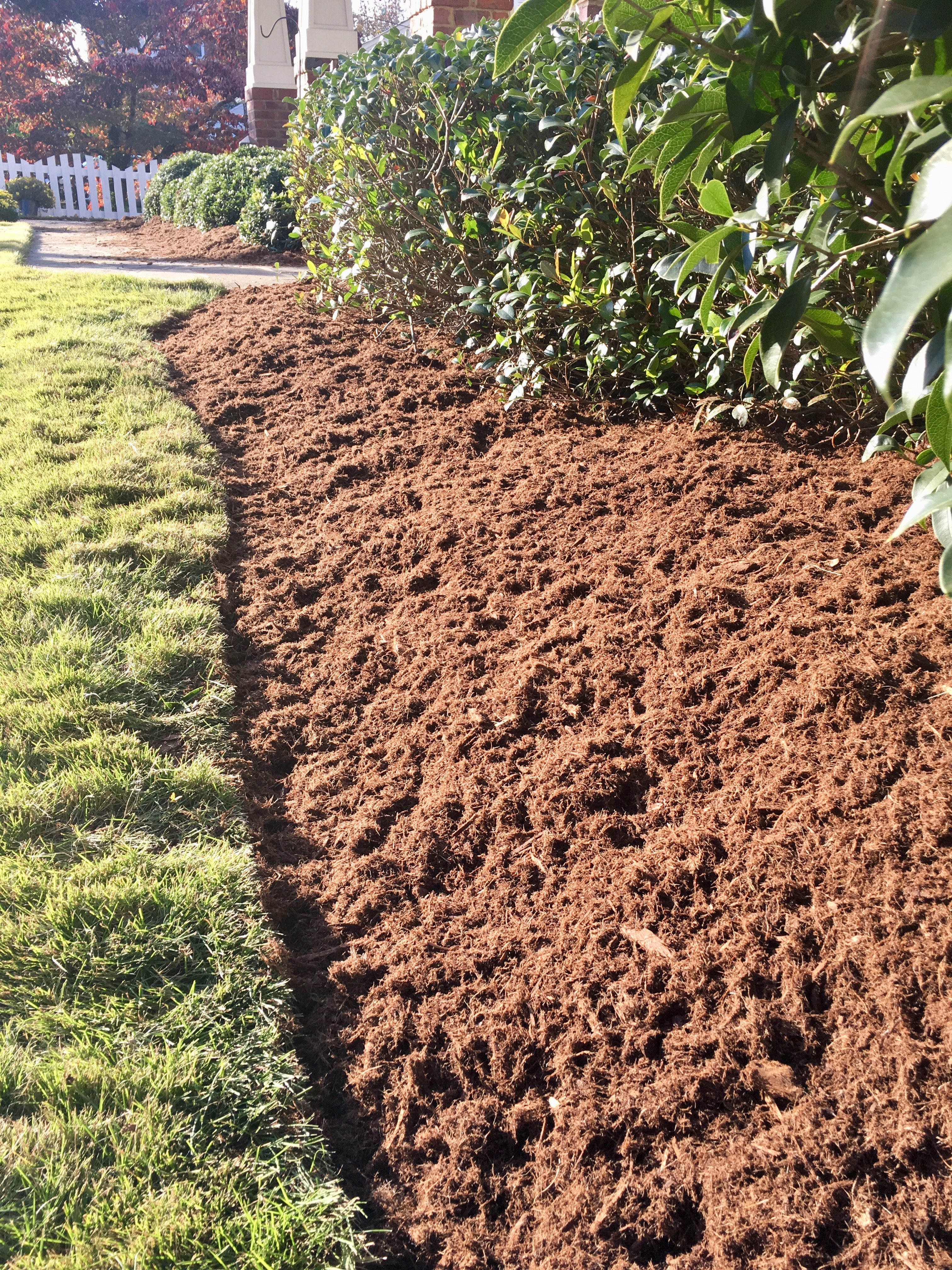 /files/mulch-service-cary-apex-nc.jpg
