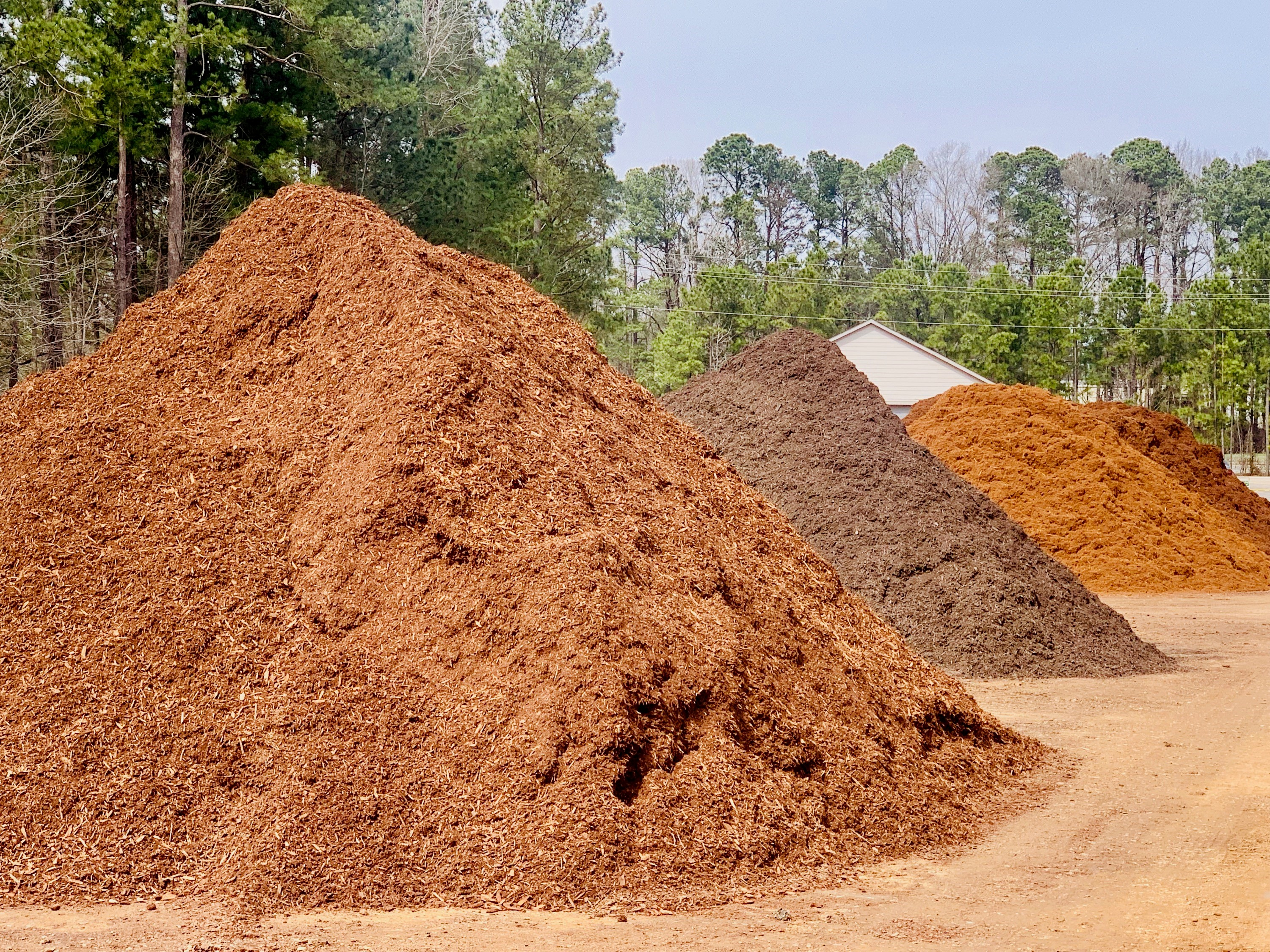 /files/mulch-service-cary-nc.jpg